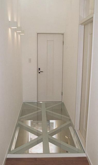 廊下 強化ガラス